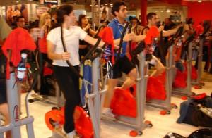 Clase elippdor en feria fitness