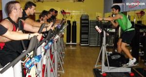 Clase de elipdoor en el gimnasio